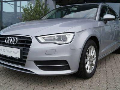 gebraucht Audi A3 Sportback 1,2 TFSi 110 Attraction
