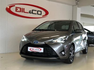usado Toyota Yaris 1,5 B/EL H3 Smartpakke E-CVT 100HK 5d Trinl. Gear