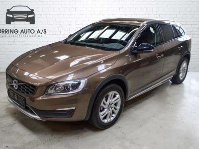 brugt Volvo V60 CC 2,0 D3 Momentum 150HK Stc 6g