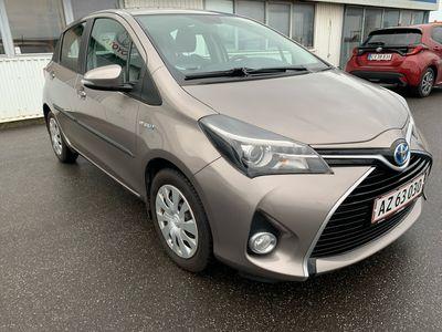 brugt Toyota Yaris Hybrid 1,5 VVT-I Style E-CVT 100HK 5d Aut. A++