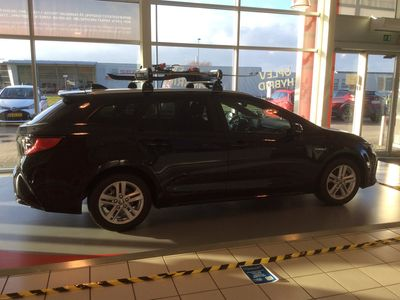 brugt Toyota Corolla Touring Sports 1,8 B/EL H3 E-CVT 122HK Stc Trinl. Gear A+++