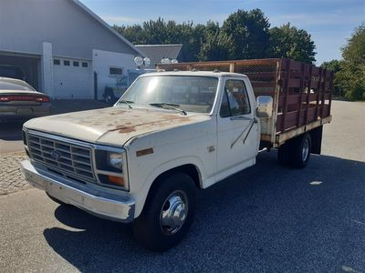 brugt Ford F350 Stake Bed 460cui Aut