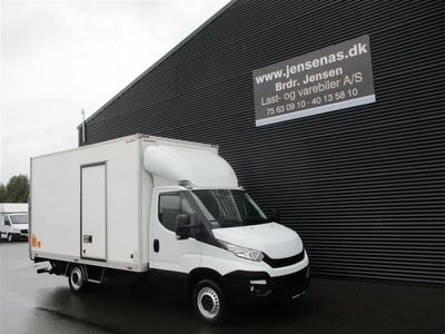 brugt Iveco Daily 35S13 2,3 D Alu.kasse m/lift 126HK Ladv./Chas. 2015