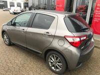 gebraucht Toyota Yaris Hybrid 1,5 B/EL Premium E-CVT 100HK 5d Trinl. Gear