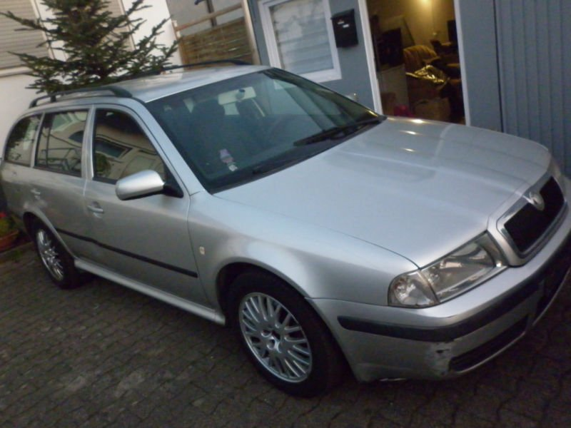 verkauft skoda octavia combi elegance gebraucht 2005 km in march. Black Bedroom Furniture Sets. Home Design Ideas