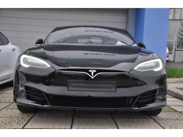verkauft tesla model s 75 gebraucht 2016 15 km in prag. Black Bedroom Furniture Sets. Home Design Ideas
