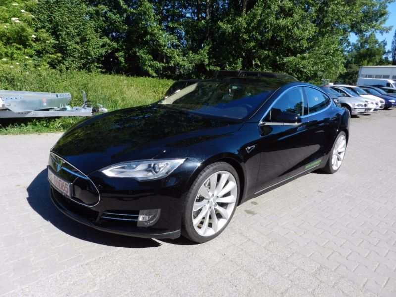 model s gebrauchte tesla model s kaufen 129 g nstige autos zum verkauf. Black Bedroom Furniture Sets. Home Design Ideas