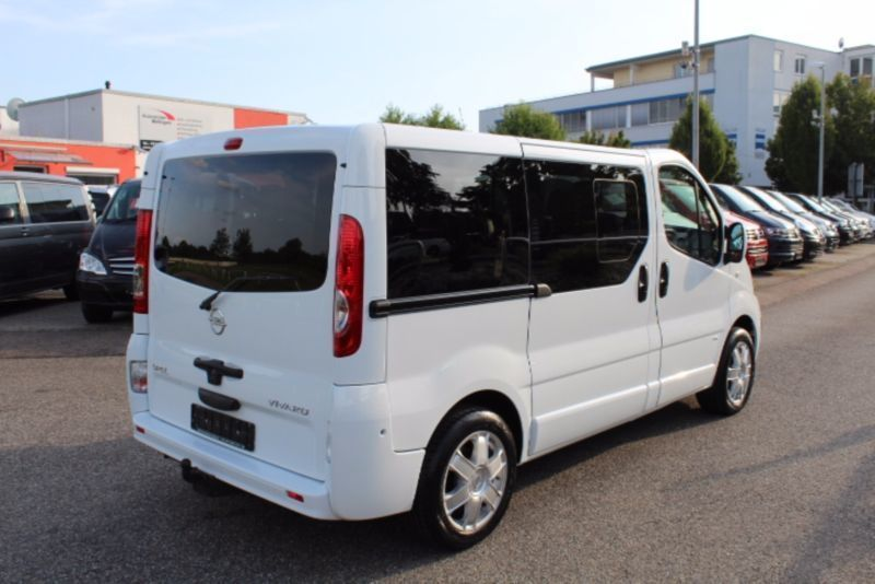 verkauft opel vivaro life cosmo autom gebraucht 2011 km in ostfildern. Black Bedroom Furniture Sets. Home Design Ideas