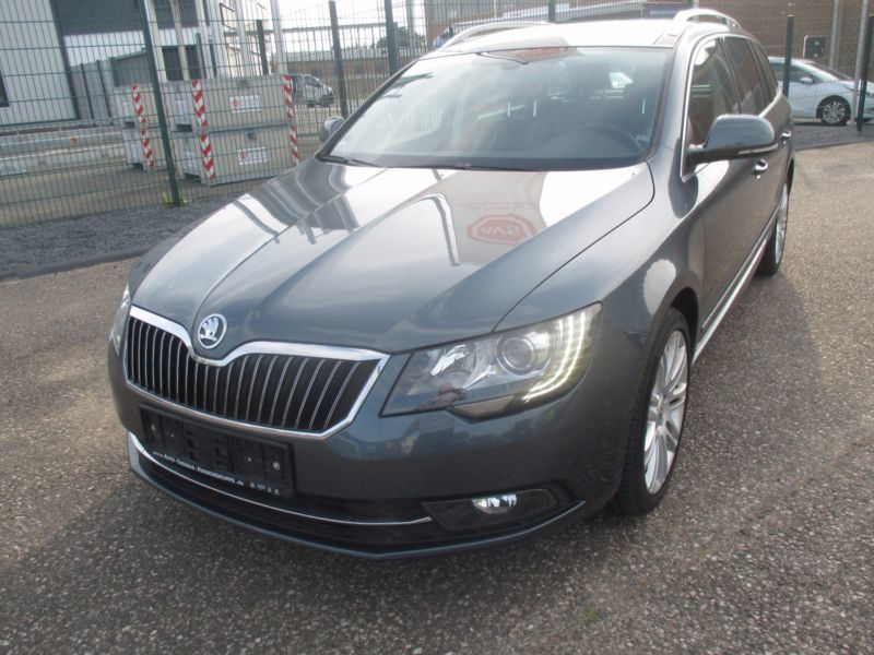 verkauft skoda superb combi 2 0 tdi gr gebraucht 2014. Black Bedroom Furniture Sets. Home Design Ideas