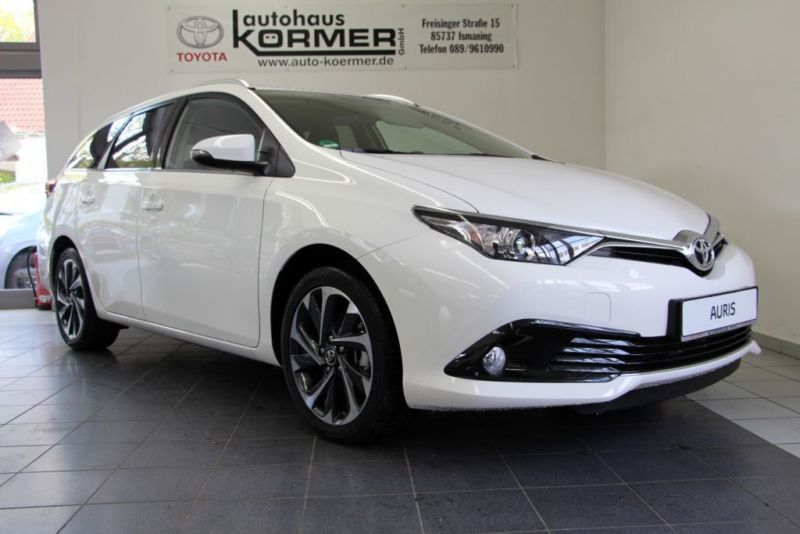 verkauft toyota auris touring sports 1 gebraucht 2016 km in ismaning. Black Bedroom Furniture Sets. Home Design Ideas