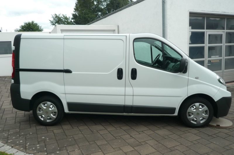 verkauft renault trafic 2 0 dci 115 l1 gebraucht 2009 km in n rnberg. Black Bedroom Furniture Sets. Home Design Ideas