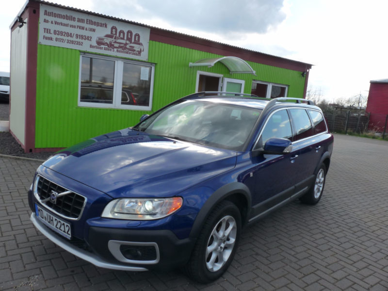 verkauft volvo xc70 summum gebraucht 2010 km in. Black Bedroom Furniture Sets. Home Design Ideas