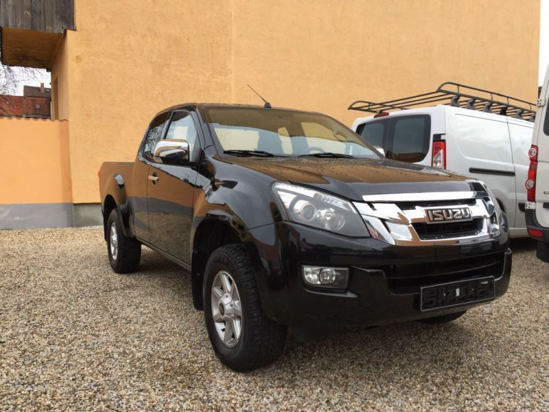 gebraucht 4x4 space cab custom isuzu d max 2013 km 65. Black Bedroom Furniture Sets. Home Design Ideas