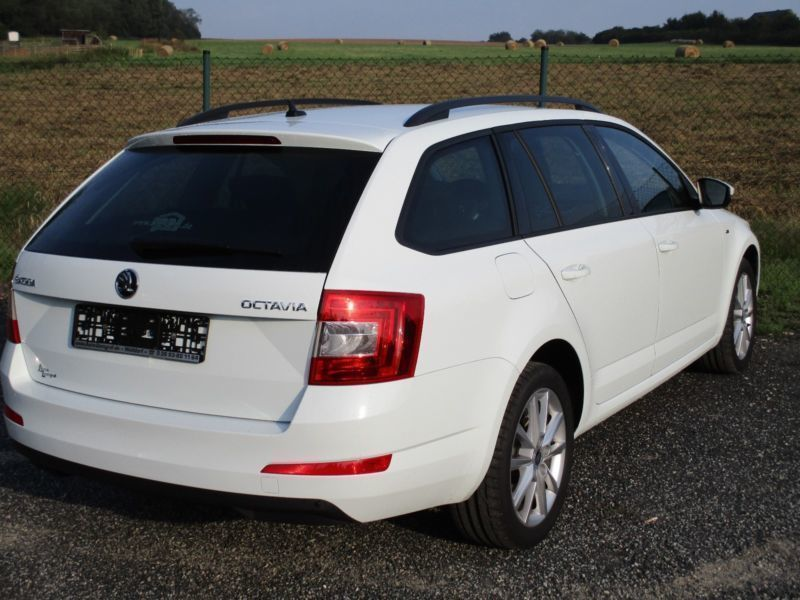 verkauft skoda octavia combi joy navi gebraucht 2016 km in walldorf. Black Bedroom Furniture Sets. Home Design Ideas