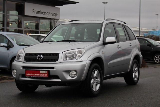 verkauft toyota rav4 2 0 4x4 automatik gebraucht 2005 km in f rth. Black Bedroom Furniture Sets. Home Design Ideas