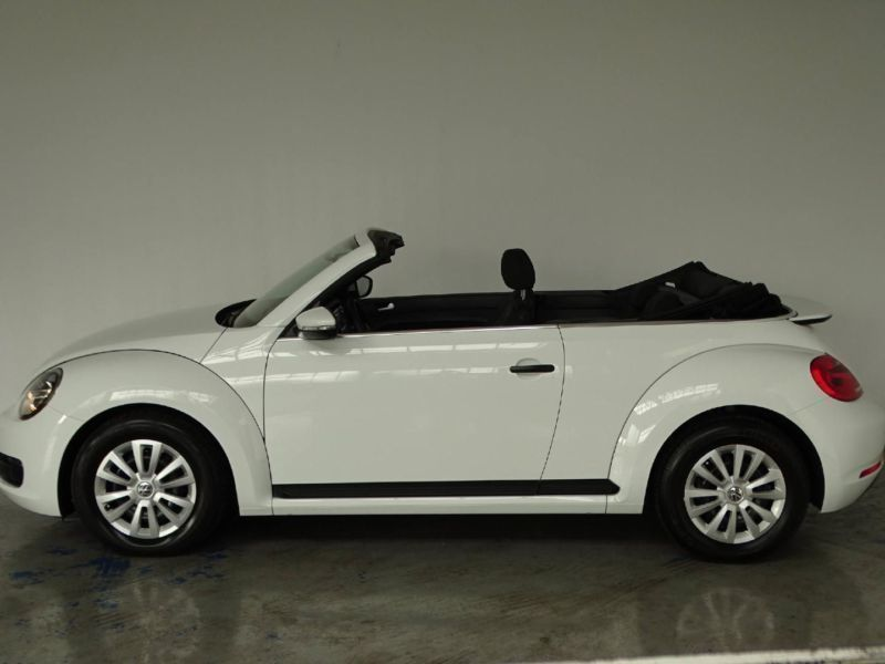 verkauft vw beetle cabriolet cabrio 1 gebraucht 2015. Black Bedroom Furniture Sets. Home Design Ideas
