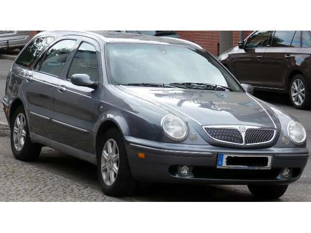 verkauft lancia lybra station wagon 1.6, gebraucht 2001, 210.000 km