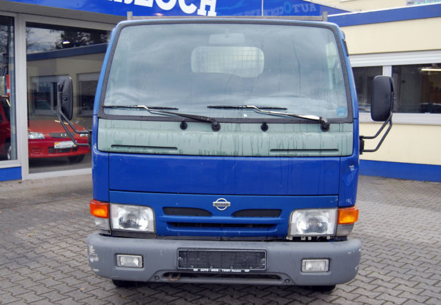 verkauft nissan cabstar e l2 3x gebraucht 2002 km in ha loch. Black Bedroom Furniture Sets. Home Design Ideas