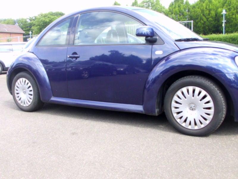 verkauft vw beetle new2 0 en vogu 2 ha gebraucht 2001 km in w rselen. Black Bedroom Furniture Sets. Home Design Ideas