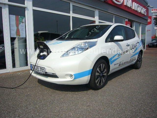verkauft nissan leaf 24 kwh mit batte gebraucht 2013. Black Bedroom Furniture Sets. Home Design Ideas