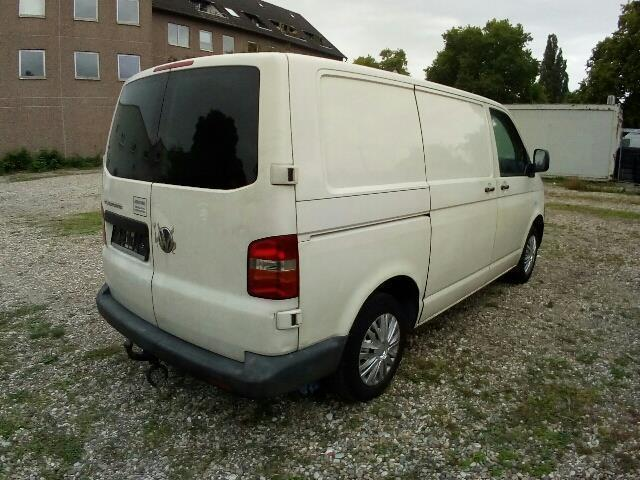 verkauft vw transporter t5 gebraucht 2005 km in frankfurt am main. Black Bedroom Furniture Sets. Home Design Ideas