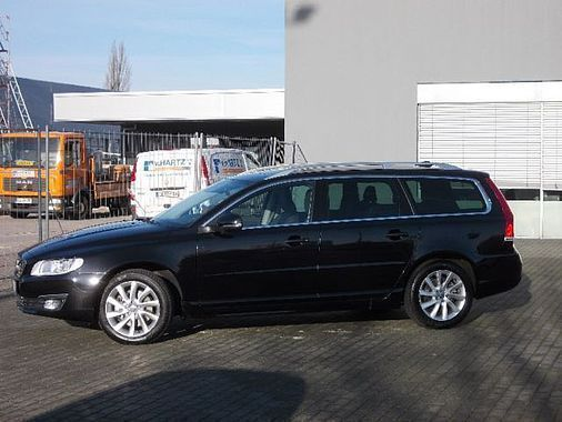 verkauft volvo v70 d5 geartronic summum gebraucht 2014 km in hannover. Black Bedroom Furniture Sets. Home Design Ideas