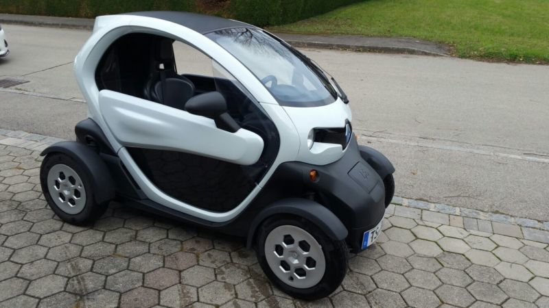 verkauft renault twizy urban mit mietb gebraucht 2012 km in tittmoning. Black Bedroom Furniture Sets. Home Design Ideas