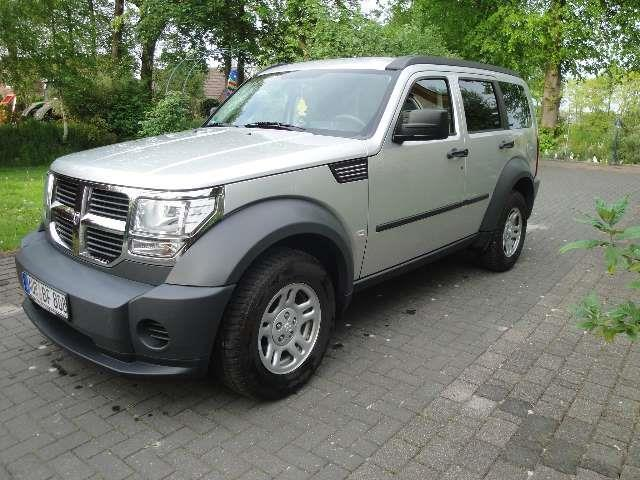 verkauft dodge nitro 2 8 crd dpf se gebraucht 2007 km in aurich. Black Bedroom Furniture Sets. Home Design Ideas