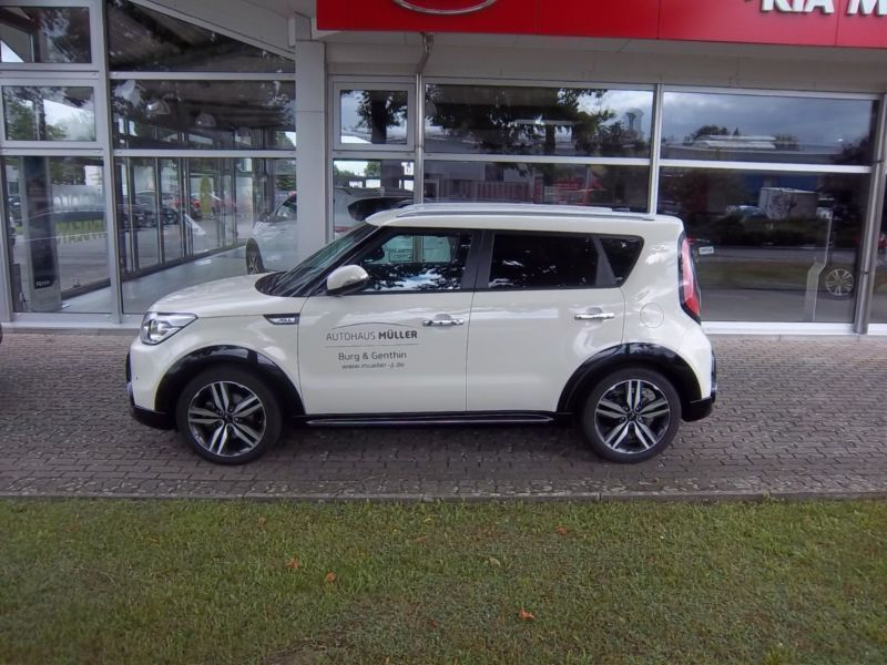 verkauft kia soul 1 6 crdi aut spirit gebraucht 2016 km in genthin. Black Bedroom Furniture Sets. Home Design Ideas