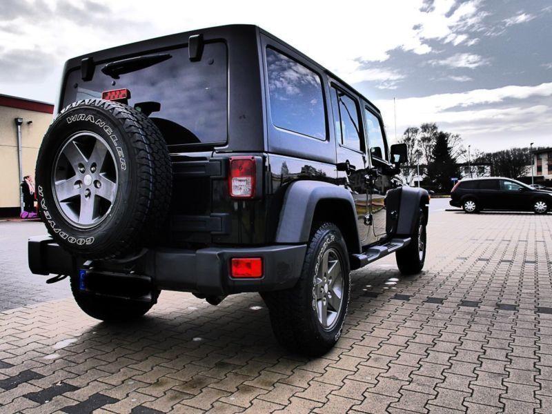 verkauft jeep wrangler unlimited 3 6 a gebraucht 2013. Black Bedroom Furniture Sets. Home Design Ideas