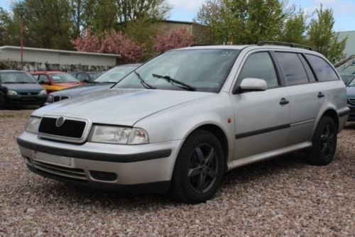verkauft skoda octavia 1 9 tdi combi l gebraucht 1999 km in potsdam. Black Bedroom Furniture Sets. Home Design Ideas
