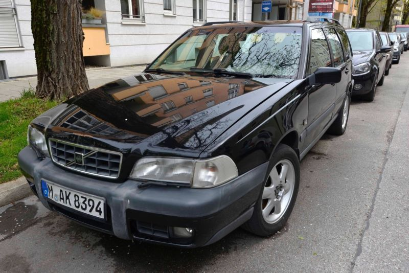 verkauft volvo v70 cross country gebraucht 1998. Black Bedroom Furniture Sets. Home Design Ideas