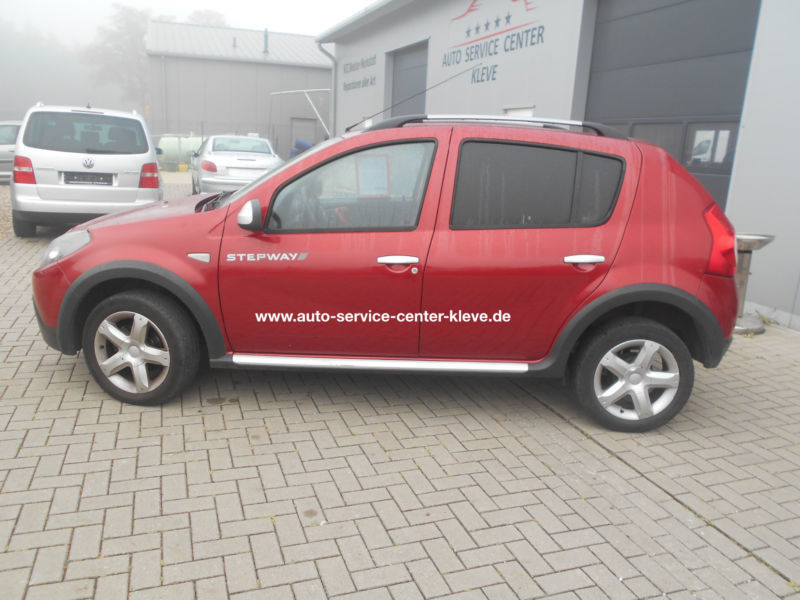 gebraucht stepway ii dacia sandero 2012 km in bedburg hau. Black Bedroom Furniture Sets. Home Design Ideas