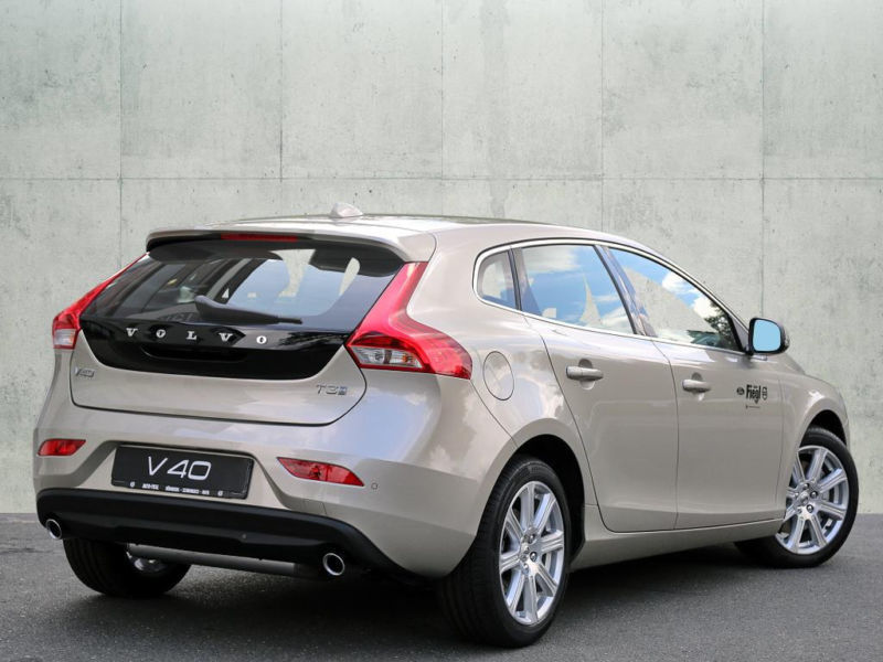 gebraucht t3 kinetic volvo v40 2016 km in weiterstadt. Black Bedroom Furniture Sets. Home Design Ideas