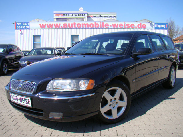 verkauft volvo v70 d5 dpf aut summum gebraucht 2006 km in iserlohn. Black Bedroom Furniture Sets. Home Design Ideas