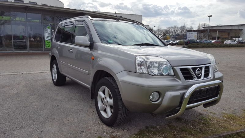 verkauft nissan x trail 2 0 4x4 gebraucht 2002 km in burgdorf. Black Bedroom Furniture Sets. Home Design Ideas