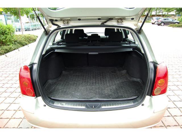 Verkauft Toyota Avensis 2003, Alufelgen, gebraucht 2003, 150.000 km in