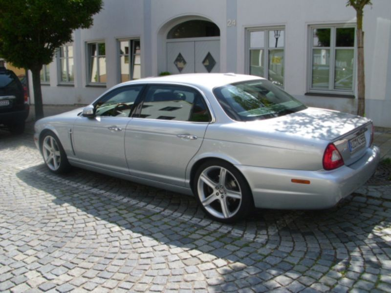 verkauft jaguar xj 2 7d sovereign lwb gebraucht 2007 km in sankt goar. Black Bedroom Furniture Sets. Home Design Ideas