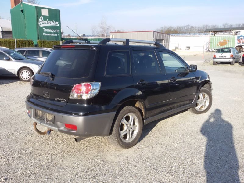 gebraucht 2 4 sport mitsubishi outlander 2004 km in guhrow. Black Bedroom Furniture Sets. Home Design Ideas