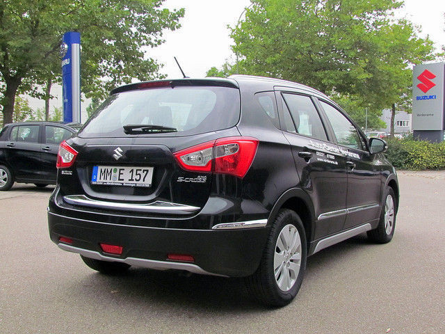 verkauft suzuki sx4 s cross 1 6 ddis c gebraucht 2015 km in memmingen. Black Bedroom Furniture Sets. Home Design Ideas