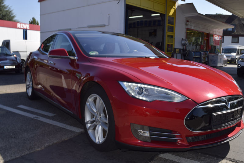 verkauft tesla model s 85 panoramaglas gebraucht 2013. Black Bedroom Furniture Sets. Home Design Ideas
