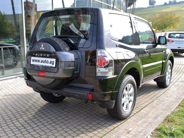 verkauft mitsubishi pajero 3 2 di d 3 gebraucht 2015 km in freiburg. Black Bedroom Furniture Sets. Home Design Ideas