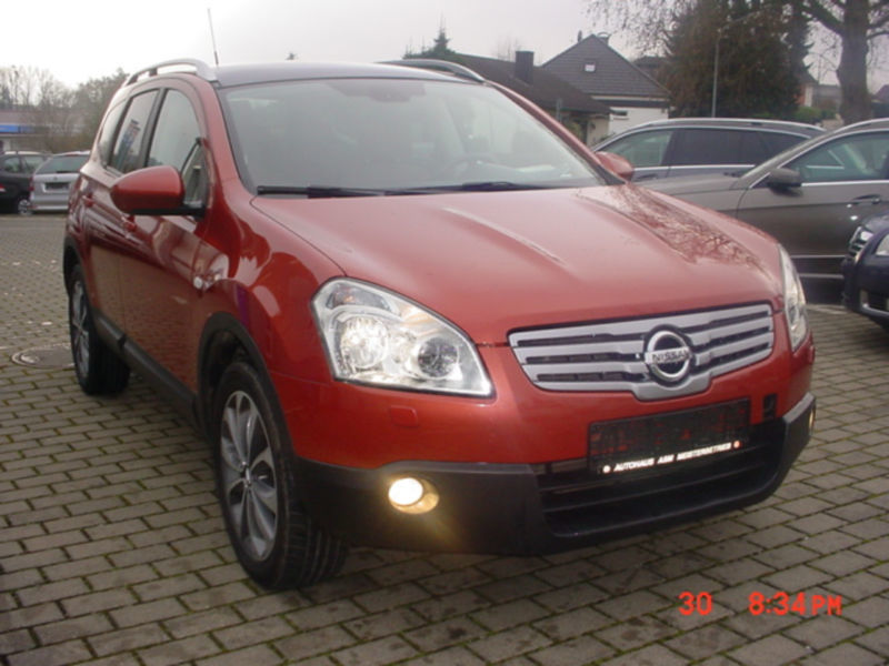 verkauft nissan qashqai 2 tekna 4x4 gebraucht 2009 km in homberg efze. Black Bedroom Furniture Sets. Home Design Ideas