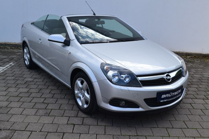 verkauft opel astra cabriolet twin top gebraucht 2008 km in wallmerod. Black Bedroom Furniture Sets. Home Design Ideas