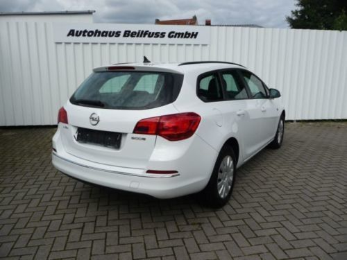 gebraucht j selection opel astra sports tourer 2013 km in ritterhude. Black Bedroom Furniture Sets. Home Design Ideas