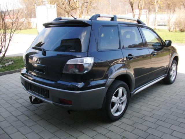 verkauft mitsubishi outlander 2 4 4wd gebraucht 2005 km in heidenheim. Black Bedroom Furniture Sets. Home Design Ideas
