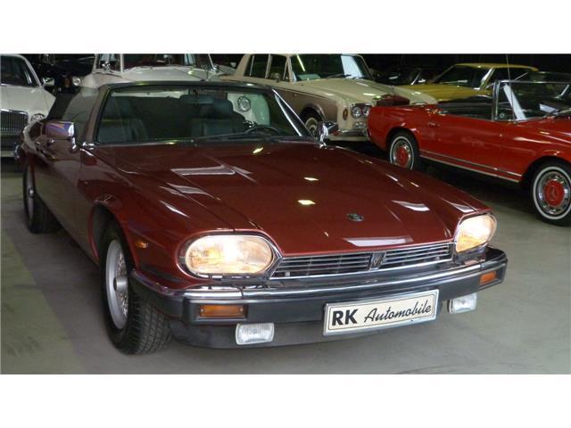xjs gebrauchte jaguar xjs kaufen 108 g nstige autos. Black Bedroom Furniture Sets. Home Design Ideas