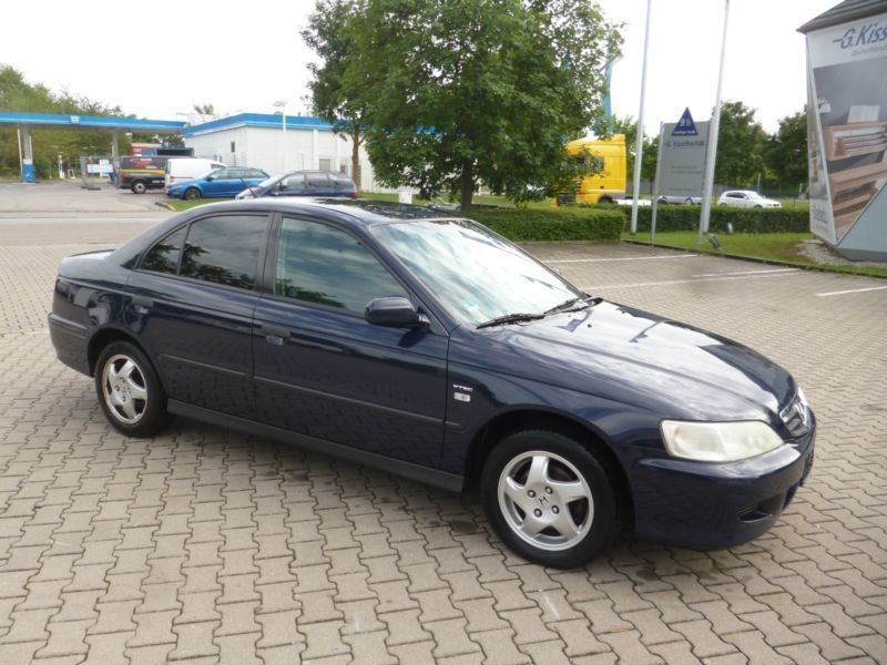 verkauft honda accord ls gebraucht 2001 km in m nchen. Black Bedroom Furniture Sets. Home Design Ideas