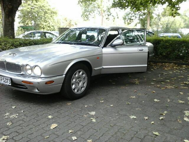 verkauft jaguar xj8 sovereign gebraucht 1998 km in freiburg. Black Bedroom Furniture Sets. Home Design Ideas