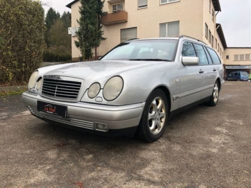 verkauft mercedes e320 4 matic leder k gebraucht 1998 km in landsberg lech. Black Bedroom Furniture Sets. Home Design Ideas